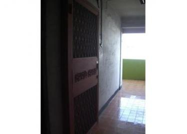 台南買屋,北區買房子,套房出售,裡面有住人只能照外面的門