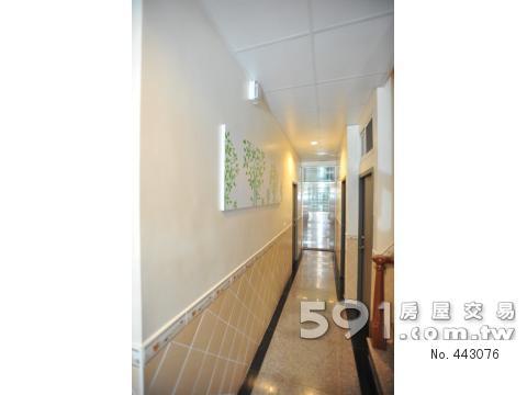 明亮走廊和管理室
