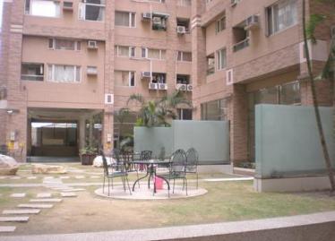 台南買屋,永康買房子,住宅出售,大樓外觀及社區公園綠地