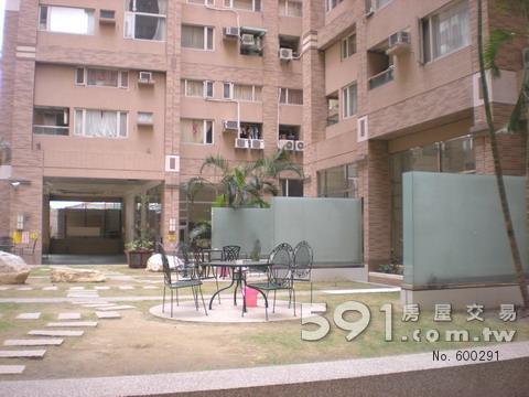 大樓外觀及社區公園綠地