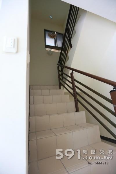 樓梯平緩寬90 長輩幼兒安全
