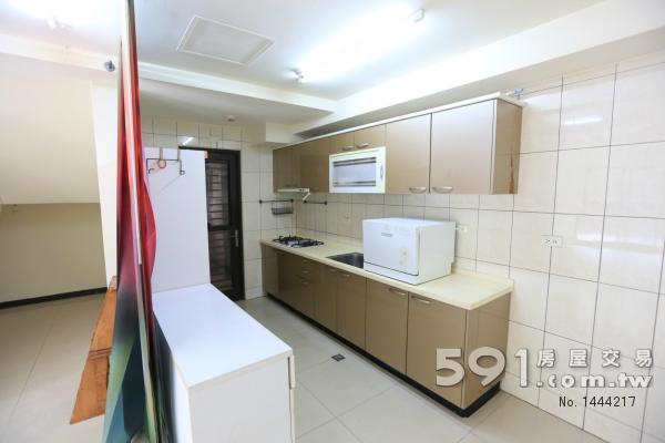 廚房 有陽台 可放洗衣 烘衣機