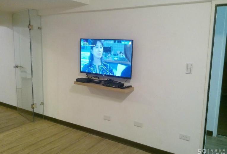 """台北租屋,信義租屋,獨立套房出租,40"""" LED電視"""
